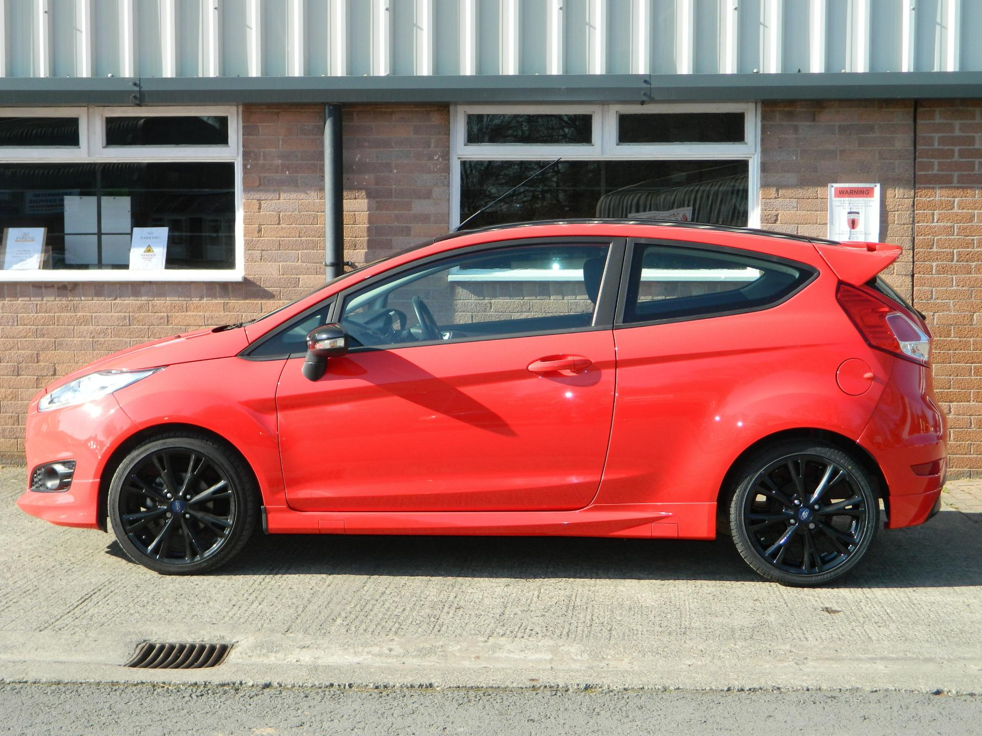 Large photo 4 for 2015/65 FORD FIESTA/65 FORD FIESTA 1.0T ECOBOOST 140PS ZETEC S RED 3DR * FULL FORD SERVICE HISTORY *