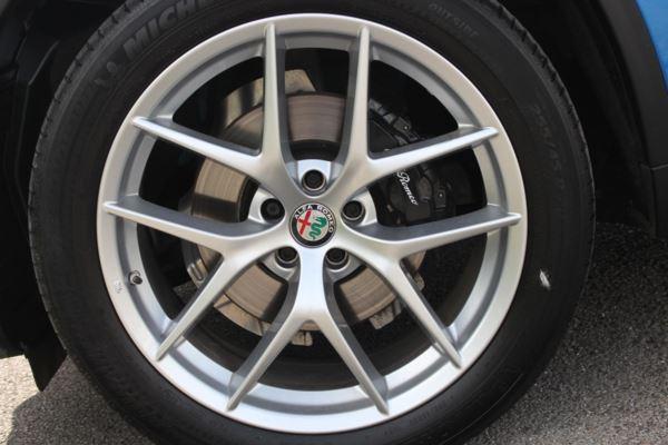 Stelvio 2.0 Turbo 280 Milano 5dr Auto